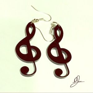 DOVAJEAN Jewelry, Treble Clef dangling Earring
